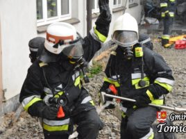 Ćwiczenia strażackie w Tomicach